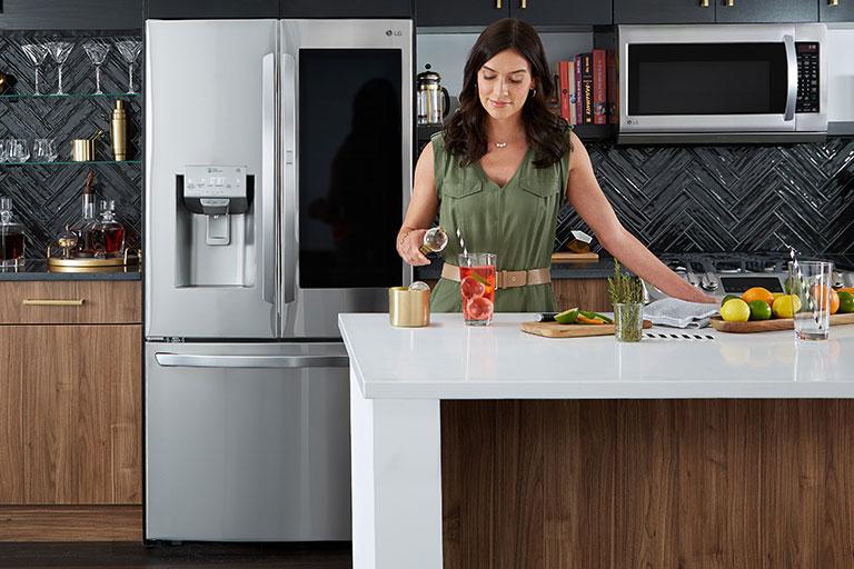 فروش کلیه لوازم خانگی و یخچال های ساید بای ساید و فریزرهای برند ال جی LG در فروشگاه اینترنتی لوازم خانگی ناومال