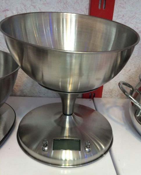 ترازوی دیجیتالی آشپزخانه دلمونتی مدل DL1740
